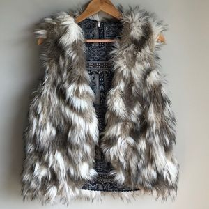 Free people - Call of the Wild Fur Vest Size Small